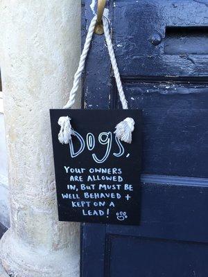 rsz_dog_sign_at_huntsman_pub_bath.jpg